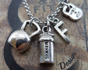 Necklace Shaker Weight Workout initial.Kettlebell,Gym Gifts,Bodybuilding,Barbell,Dumbbell,CrossTraining,Fitness Motivation,Coach Gift,Fitmom