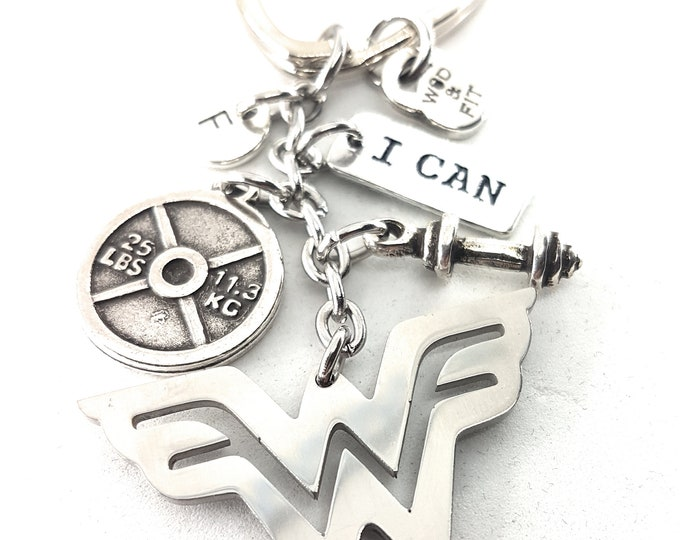 Keychain Wonder Fit 25lbs Workout Wonder Woman Weight Plate Initial letter,Motivational Gift,Gym jewelry, Fitmom,Fit Girl,Workout Jewelry