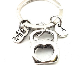 Keyring Kettlebell Heart & Initial. Gift for Bodybuilding - Gym jewelry - Gym Lover - BBF Gift - Crossfit Girl Gift - Fitness - Wod and Fit