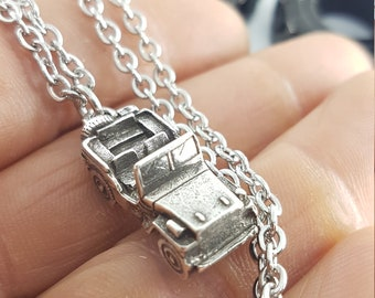 Jeep Girl Necklace - I Love Jeep - Jeeps Lovers - Jeep Wrangler  -JK - gifts for jeep lovers- vintage jeep -  jeep wrangler - jeep gifts