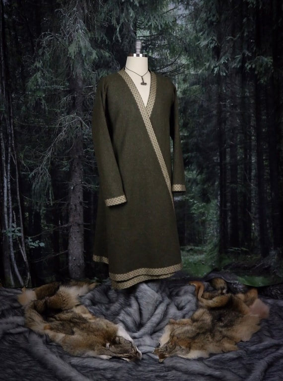 Wool Viking Hedeby Klappenrock Kaftan with trim. This coat is the perfect garb for Norse, SCA and LARP Reenactment