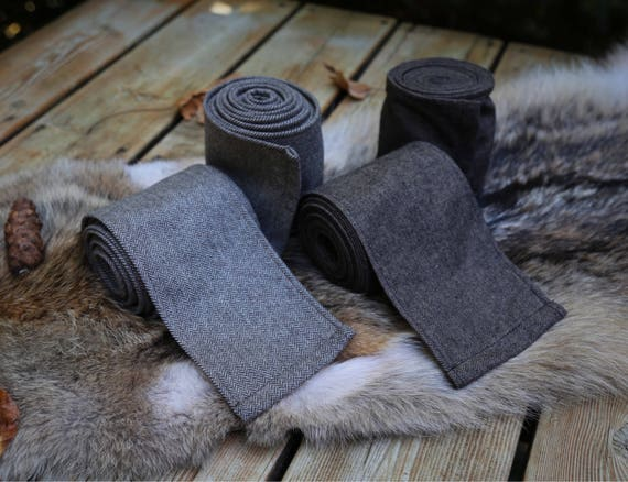 2 pairs Viking Wool Winingas Vindingr Wickelbander. These warps are the perfect garb for Norse, SCA and LARP Reenactment
