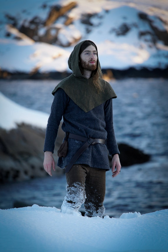 Viking Skjoldehamn Archer Hood. This piece of garb is made of wool. Perfect garb for Norse, SCA and LARP Reenactment