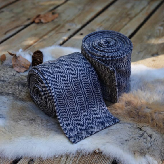 Viking Storm Blue Wool leg Winingas Vindingr Wickelbander. These warps are the perfect garb for Norse, SCA and LARP Reenactment