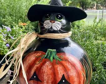 HALLOWEEN CAT WITCH Gourd, Hand Painted Gourd, Unique Gourd Art, Halloween Decor, Cat Lover/Collector Item, Green Eyes, Adorable Cat Art!
