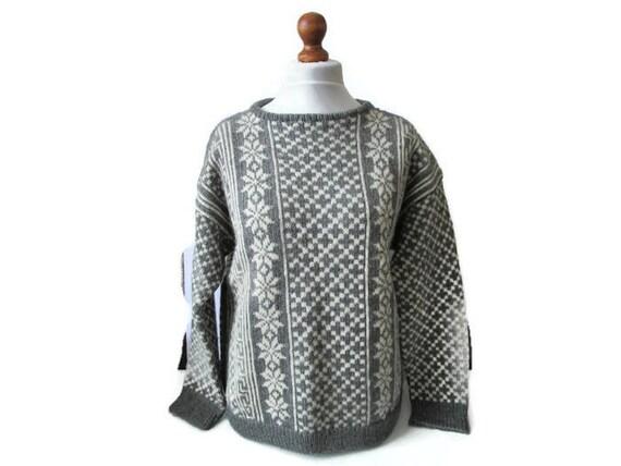 Scandinavian Sweater. Womens Pullover. Knit Sweaters. Grey White Sweater.  Scandinavian Pattern. Handmade Sweater. Ski Sweater. Gift for Her