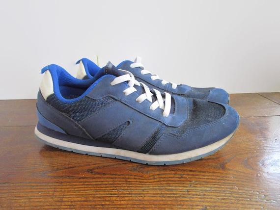 00s Vintage Blue White Sneakers Walking Shoes Slip