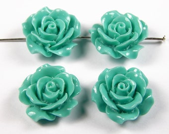 4 Pcs - 20mm Sea Green Carved Tridacna Shell Pendant Bead - Flower - Focal Beads - Pendants - Jewelry Supplies