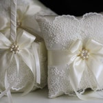 Ivory Flower Girl Basket and Ring Bearer Pillow Set / Ivory Ring Pillow Wedding gift / Lace Flower Girl Baskets Ivory / Ivory Wedding basket