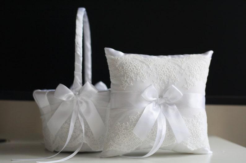 Wedding Ring Pillow Basket Lace Wedding Pillow White Ring Holder White Flower Girl Basket White Ring Bearer Pillow White Wedding Basket