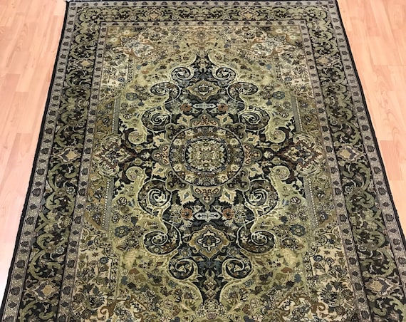 "4'7"" x 7' Pakistani Floral Oriental Rug - 1980s - Hand Made - 100% Wool"