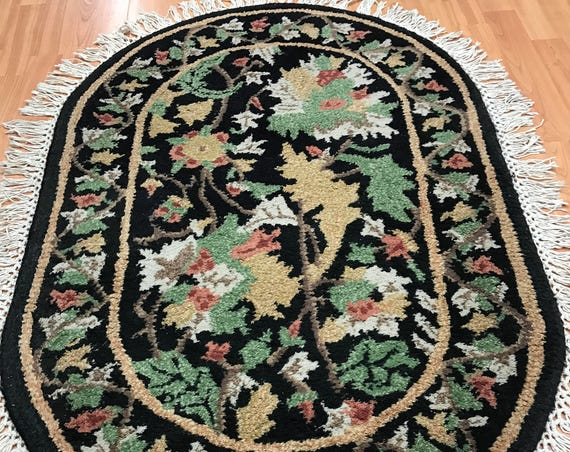 "2'6"" x 3'9"" Indian Tufted Floral Oriental Rug - Hand Made - 100% Wool"