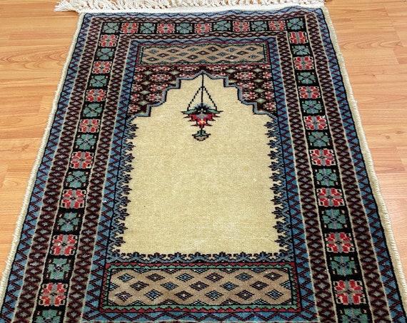"2'1"" x 3'1"" Pakistani Bokhara design - Oriental Rug - Hand Made - 100% Wool"