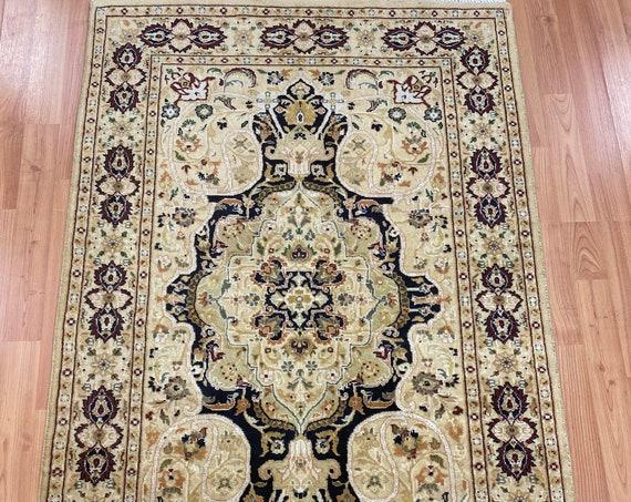 "2'8"" x 4'1"" Pakistani Tabriz Oriental Rug - 300 KPSI - Hand Made - 100% Wool"