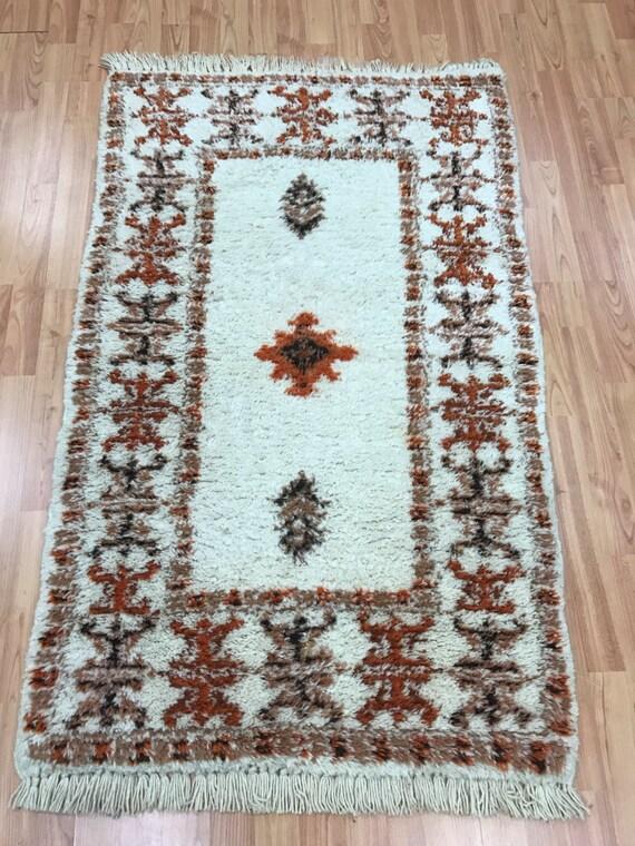 "2'8"" x 4'4"" Moroccan Kazak Oriental Rug - Hand Made - 100% Wool"
