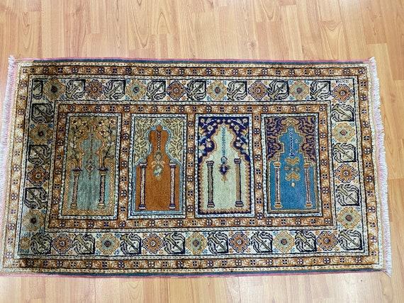 "2' x 3'4"" Kashmir Oriental Rug - Very Fine - Hand Made - 100% Silk"