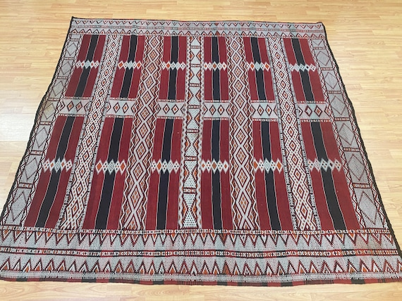 """5'10"""" x 5'10"""" Antique Moroccan Kilim Oriental Rug - 1930s - Hand Made - 100% Wool"""