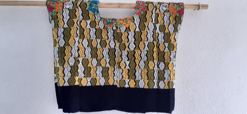 Vintage mayan Guatemalan Huipil 100/% Cotton Handmade Hand Woven Hand Embroidered Hippie Boho Festival Poncho Kaftan Caftan