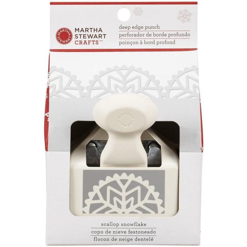 Martha Stewart Deep Edge Punch-Scallop Snowflake