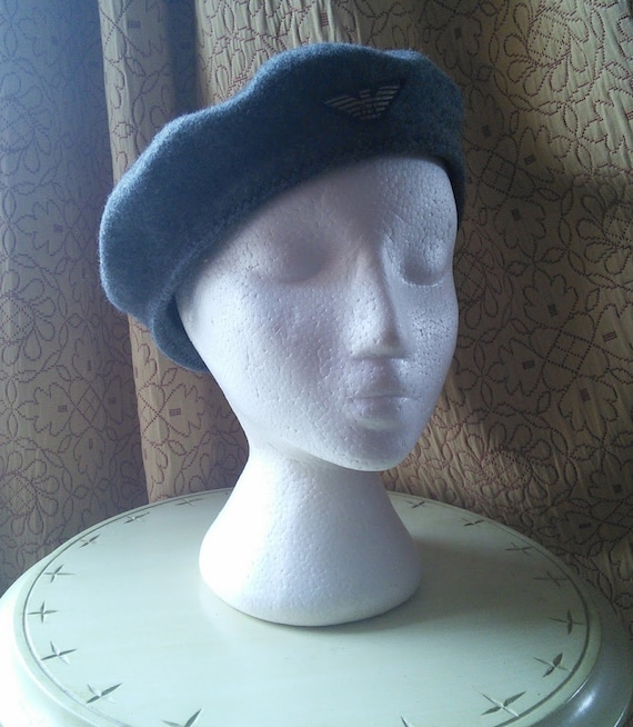 Emporio Armani grey wool beret, made in Italy // i