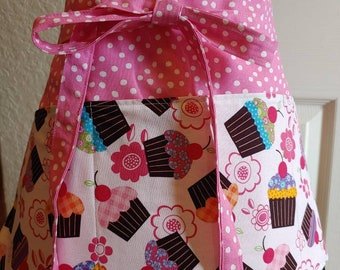 ServerTeacher VendorFood ServiceBakery Cafe StyleShopkeeper Cupcakes Half Apron with 6 pockets