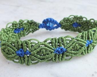 Macrame bracelet in green and blue - flowers - friendship