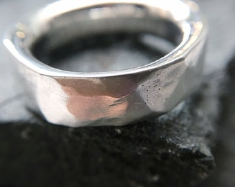 Wide structured band