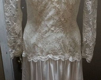 VINTAGE Lace Wedding Gown - White w/sequins & beads Long Slvs (C1)