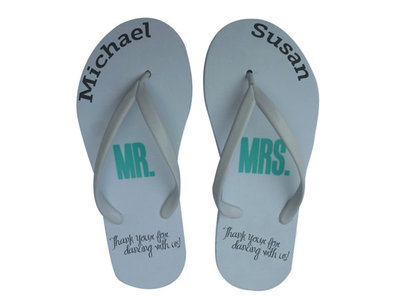 fd8ebda99 50 pairs Personalized Flip-flops for Party Guests Wedding