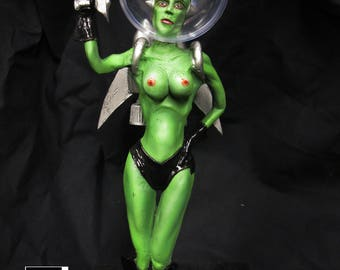 SPACE GIRL statue - 25cm