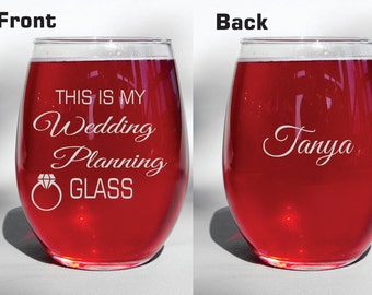 Deep Engraved Dishwasher Safe Engagement Gift Wine Glass Cup Mug Does This Ring Make Me Look Engaged Bride Present Wedding Wine Glasses