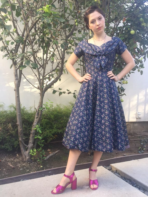 Vintage 50s flower dress with lilac tulle lining