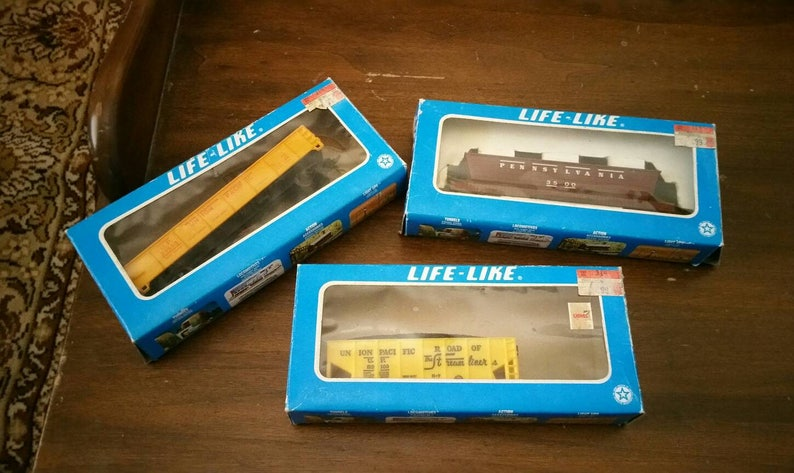 Set of 3 Vintage Life-Like Railroad Cars HO Scale Train Union Pacific  Streamliner Pennsylvania Coal Car Collectible Toy Train