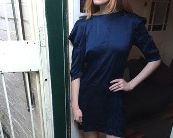 SALE FABULOUS High Fashion 80s Silk Power Dress Therese Rawsthorne Mini Dress Puffy Shoulders Shoulder Pads