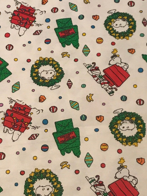 Snoopy And Woodstock Christmas Images.Christmas Placemats Snoopy Woodstock Christmas Decorations Quilted Placemats Snoopy Peanuts Decorations Do Not Open Until Christmas