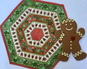 Large Christmas Hexagonal Table Topper, Dan Morris for Quilting Treasures in red, green and cream colors, CIJ, Quiltsy CIJ, Teacher gift
