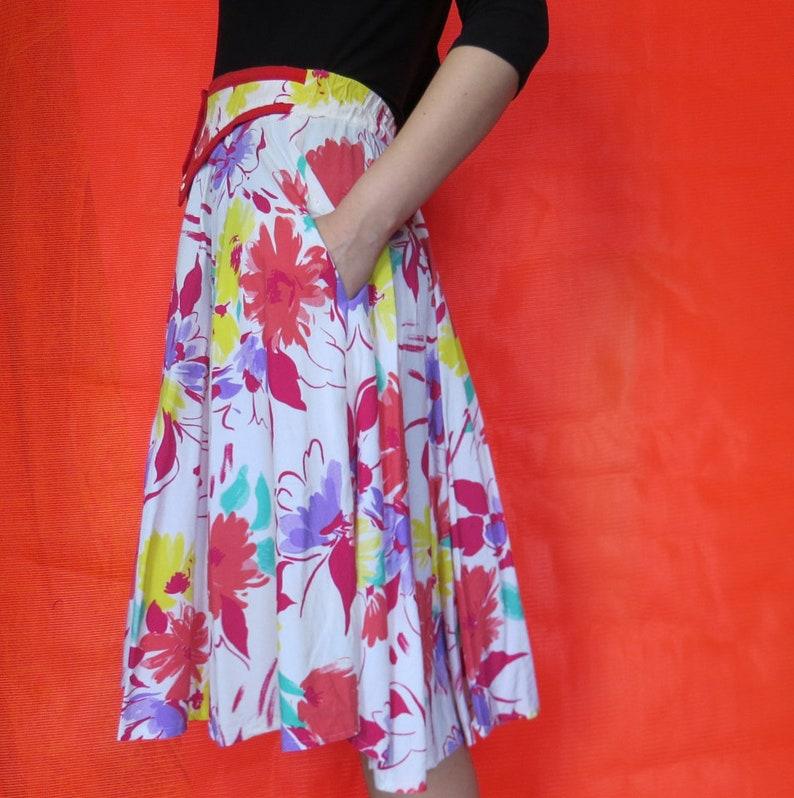 1980s Vintage Floral Print Skirt