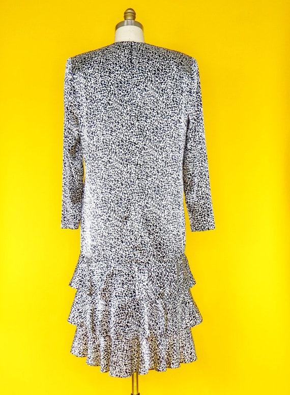 1980s Vintage Charmeuse Dress - image 4