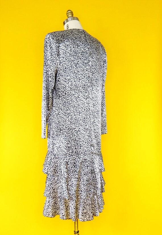 1980s Vintage Charmeuse Dress - image 5