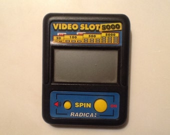 Radica VIDEO SLOT 5000 LCD handheld Video game Tested and Works