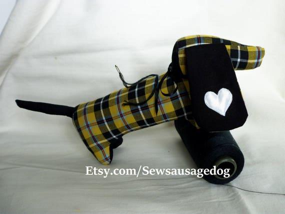 Pincushions dachshund doxie wiener dog pin cushions in Cornish | Etsy