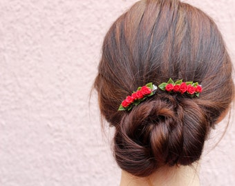 Red roses hair clip Flower girl hair clips Red wedding hair piece Summer wedding hair pins for girls hair clip miniature flower clip