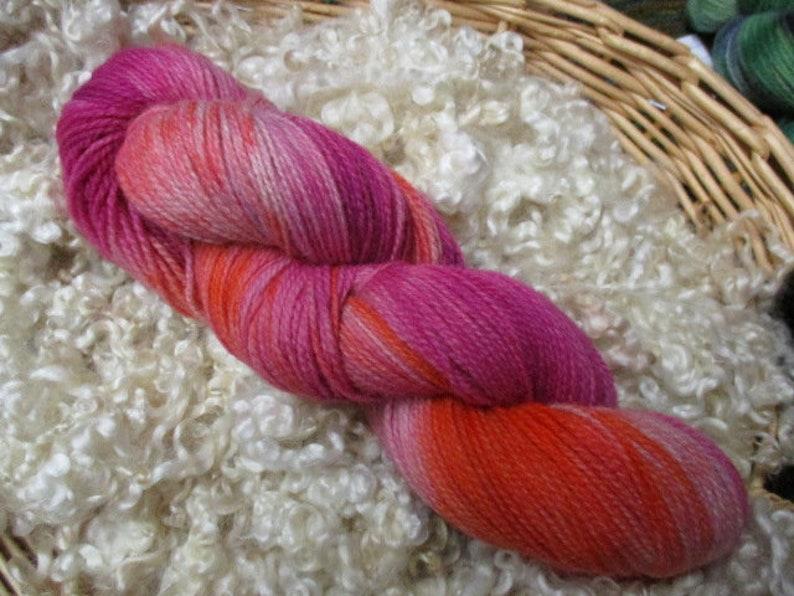 400 yds SE2SE Tunis Sock Yarn Pinks /& Orange 4 oz 2 Ply Kettle Dyed