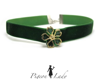 5/8 Inch Green Velvet Choker|Necklace Accessory|Crystal Flower Decor|Simple Thin Choker|Floral Necklace