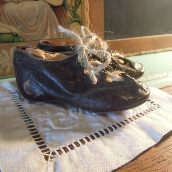 Antique Baby Leather Shoes / Vintage Leather Baby