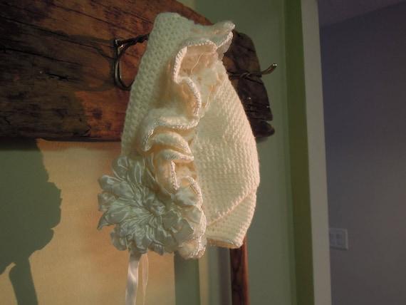 Vintage Knit Baby Bonnet / Cream Knit Bonnet / Sat