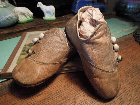 Antique Victorian Baby Shoes /  Leather Button-Up