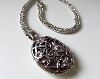 "Vintage Victorian Sterling Silver Locket 18"" Length Flower Pendant"