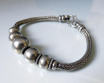 "Vintage Indian Mid Century Rajasthan Silver Bead Snake Chain Bracelet - Heavy 26 grams - 7.5"" Length"