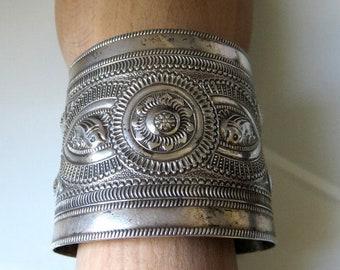 Vintage Tribal Berber Bedouin Libyan Silver Bangle Cuff Tripoli Hallmarks 93 grams